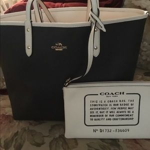 Coach Reversible City Tote in Black & White NWT